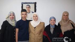 حمد تزور خنساء فلسطين وتبارك بالمولود المحرر