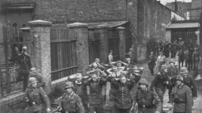 لحظة غزو هتلر لبولندا ..