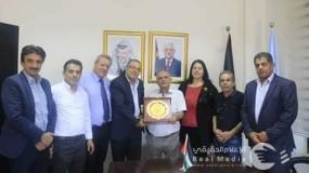 أبو سيف يلتقي وفداً من الاتحاد العام للفنانين التشكيلين