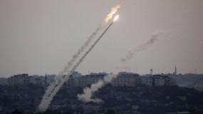 اطلاق رشقات صاروخية على بلدات الاحتلال وصفارات الانذار تدوي
