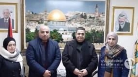 تنمية القدس واللجنة القطرية توفران مساعدة تعليمية 120 طالباً