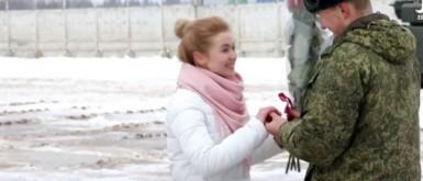 ضابط روسي يطلب يد حبيبته بـ16 دبابة