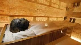 """قبر """"توت عنخ آمون"""" يكشف لغز اختفاء الملكة """"نفرتيتي"""""""