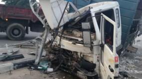 3 إصابات إحداها خطرة إثر حادث سير على شارع صلاح الدين وسط قطاع غزة