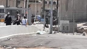 إصابة شاب حاول تنفيذ عملية طعن على حاجز قلنديا شمال القدس