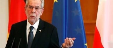 الشرطة النمساوية تضبط رئيس البلاد وزوجته في مطعم بعد وقت الحظر