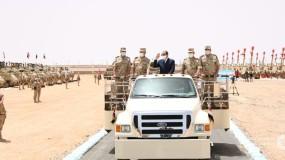 """على الحدود الليبية.. السيسي: جيشنا قادر على الدفاع عن أمن مصر داخل وخارج حدودها لكنه """"رشيد"""""""