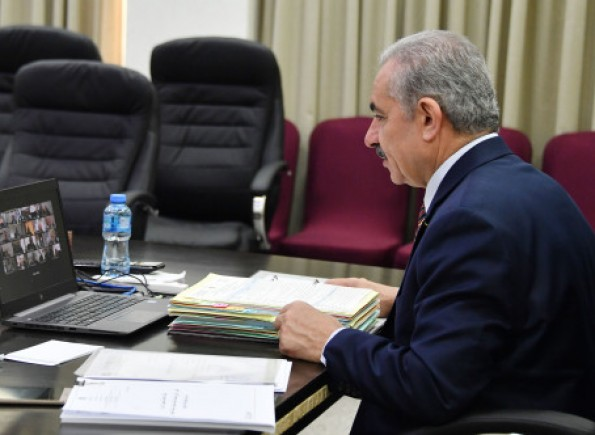 قرارات الحكومة الفلسيطينية بحل المجالس البلدية وتشكيل فريق إعادة إعمار غزة