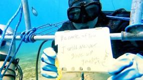 بقي 6 أيام تحت الماء.. غطاس مصري يكسر الرقم العالمي