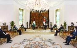 السيسي يؤكد لعباس دعم مصر للخيارات الفلسطينية تجاه التسوية السياسية