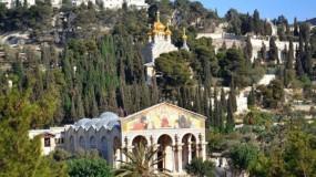 اشتية يدين الاعتداء الإرهابي على كنيسة الجثمانية