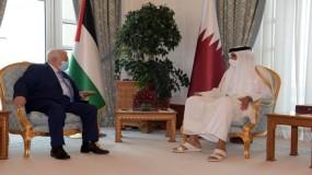 أمير قطر يلتقي الرئيس الفلسطيني في الدوحة.. وعباس يشكره