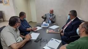ابو هولي يبحث مع مدير عمليات الاونروا في الضفة (غوين) اوضاع اللاجئين في المخيمات
