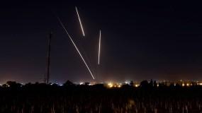 إطلاق أكثر من 30 صاروخ من قطاع غزة تجاه مستوطنات الغلاف