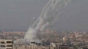 رشقات صاروخية صوب مدن الاحتلال وكتائب القسام تعلن توجيه الضربة الأكبر لاسدود وعسقلان