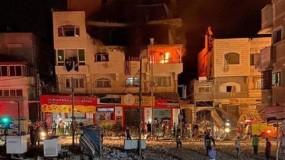 ثلاثة شهداء في قصف إسرائيلي لشقة سكنية بحي تل الهوا غرب غزة