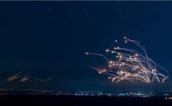 ضربات صاروخية كبيرة لتل أبيب وأسدود رداً على استهداف برج الجلاء