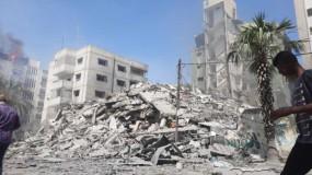 الاحتلال يدمر بنايتين في مجمع أنس بن مالك بشارع اليرموك وسط مدينة غزة