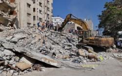 الأشغال وأمان فلسطين يوزعون بدل إيجار لـ200 أسرة من اصحاب المنازل المدمرة كلياً
