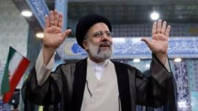 بحضور هنية والنخالة.. رئيسي يؤدي اليمين الدستورية رئيسا لإيران