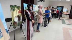 """الثقافة تفتتح معرض الفن التشكيلي """"حكايات وطن"""" في قلقيلية"""