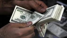 """في ظل غياب رقابة """"سلطة النقد"""" بغزة.. قيمة العملة في ميزان جشع الصرافين"""