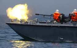 غزة: قناصة الاحتلال تطلق النار صوب عدد من الشبان مقابل مخيم العودة شرق خزاعة والزوارق الحربية تستهدف مراكب الصيد