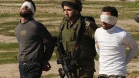"""اعتقالات بالضفة الغربية.. وجيش الاحتلال يؤمن دخول (1100) مستوطن إلى """"قبر يوسف"""" بنابلس"""