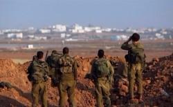 قوات الاحتلال تطلق النار على شبان بزعم اقترابهم من السياج الفاصل شمال قطاع غزة