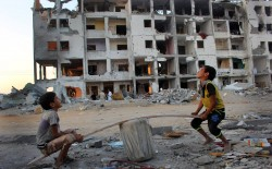 (أونروا): بكل أسف لا نملك حالياً ميزانية لتغطية إعانات الإيجار لمتضرري حرب 2014