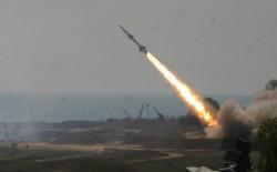 إطلاق صواريخ تجريبية من قطاع غزة نحو البحر.. والاحتلال يعتبرها تحذيرا من (حماس)