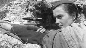 """""""ليودميلا بافيلتشينكو"""".. القناصة الأكثر رعبًا في التاريخ"""