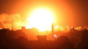"""بعد سقوط صاروخ في """"صوفا"""".. طائرات الاحتلال تشن غارات على أراضٍ زراعية شرق رفح"""