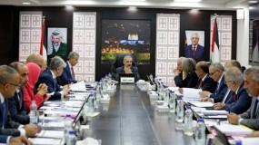 الحكومة: سنتخذ الإجراء المناسب إزاء قرار منع إدخال منتجاتنا للأسواق الإسرائيلية