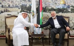 العمادي يعفي سكان مدينة حمد بغزة من الأقساط المستحقة