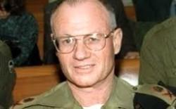 رئيس الموساد الأسبق يدعو إسرائيل للسيطرة على قطاع غزة